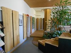 Ausstellung-Holzfußboden-Maruburg-Caldern