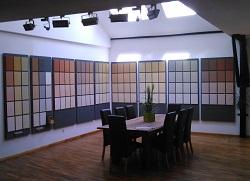 Farbiger Lehmputz in unserer Ausstellung in Caldern bei Marburg