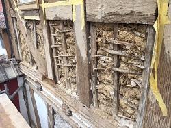 Gefache aus Lehm im Fachwerkhaus